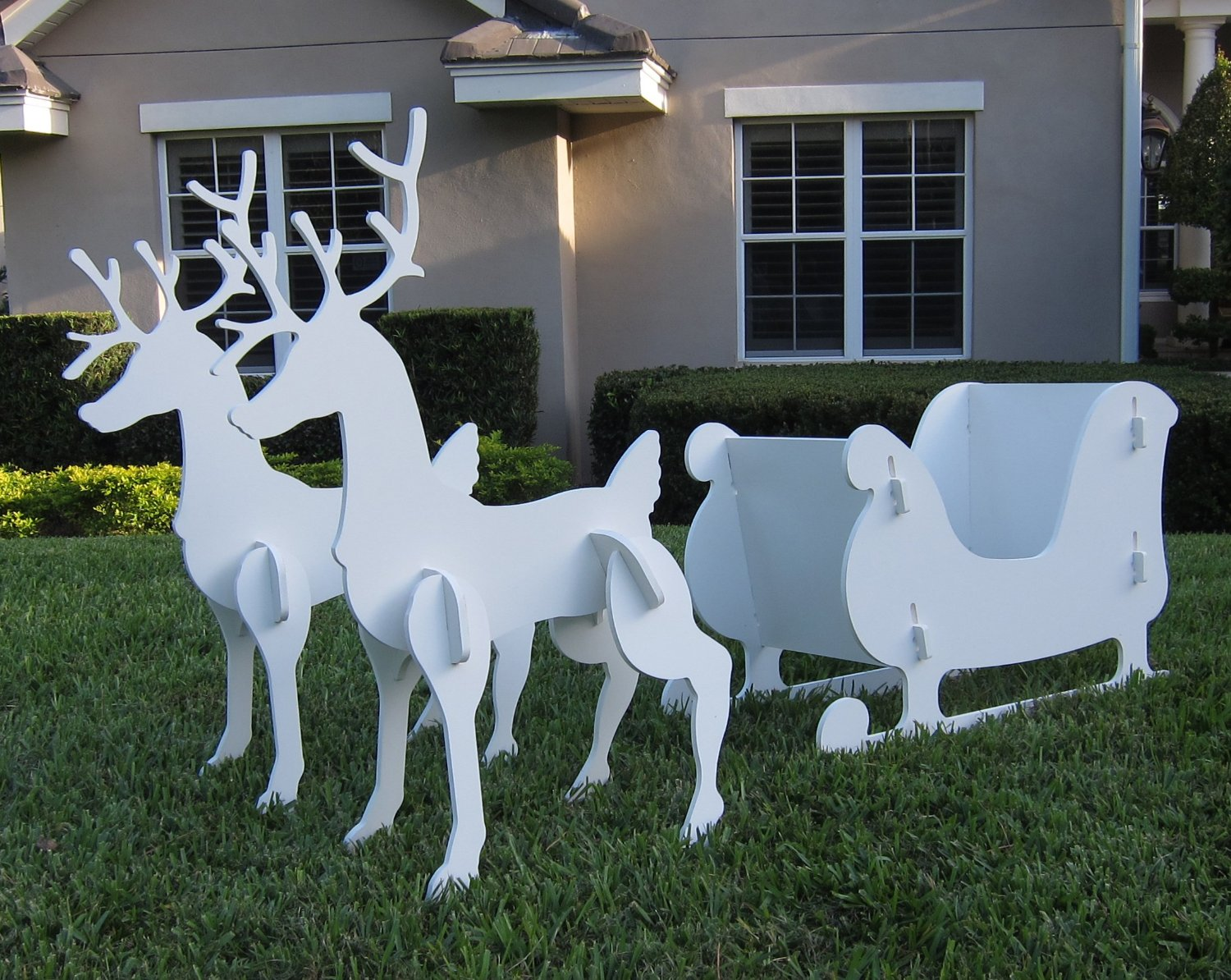 21 christmas outdoor decorations ensure it makes a visual Outdoor christmas decorations designs